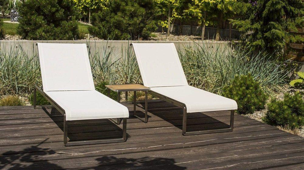 Zestaw mebli ogrodowych: leżaki ze stolikiem, Doram Design